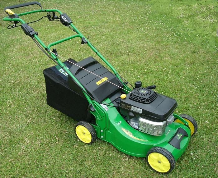 Extremely Benzin Rasenmäher für die Rasen- und Gartenpflege VH18